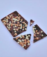 Inclusion Bar Fudge Crunch Broken