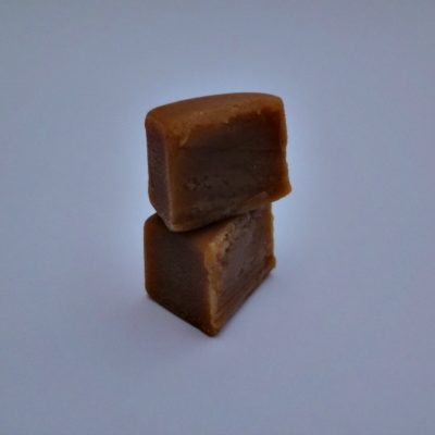 clotted_cream_fudge_cut
