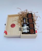 kraken rum raisin old jamaica chocolate truffles minature wooden box